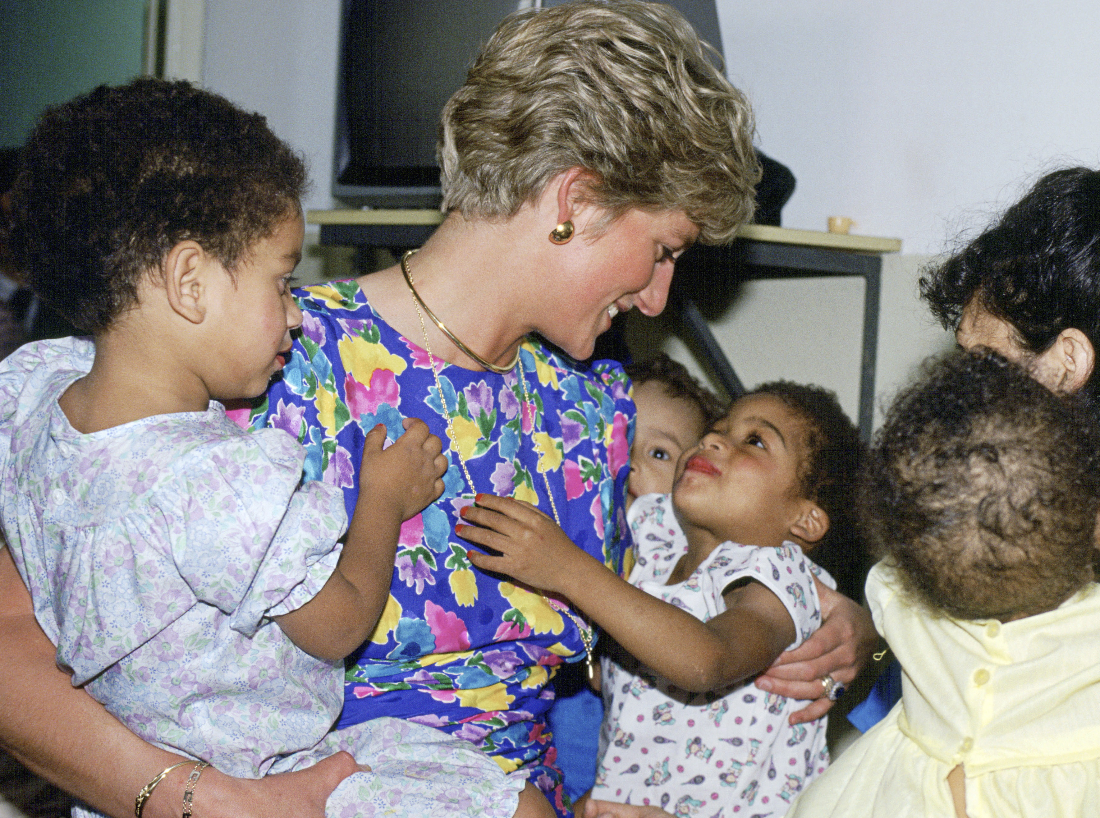 SAO PAULO, BRAZIL - APRIL 24:  The Princess Of Wales Visiting A Hostel For Abandoned Children In Sao Paulo, Brazil Many Of Them Hiv Positive Or Suffering From Aids  (Photo by Tim Graham/Getty Images)