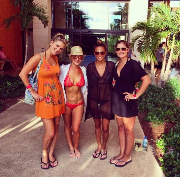 kellie pickler bikini pic