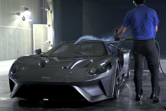 【ビデオ】200km/hの風を受ける新型「フォードGT」、作動するアクティブ・エアロに注目!