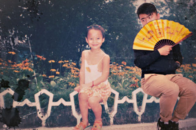 Man recreates girlfriend's childhood photos