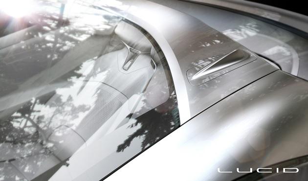 テスト車両で高性能スポーツカーを打ち負かしたアティエヴァが、ルーシッド・モーターズに社名変更