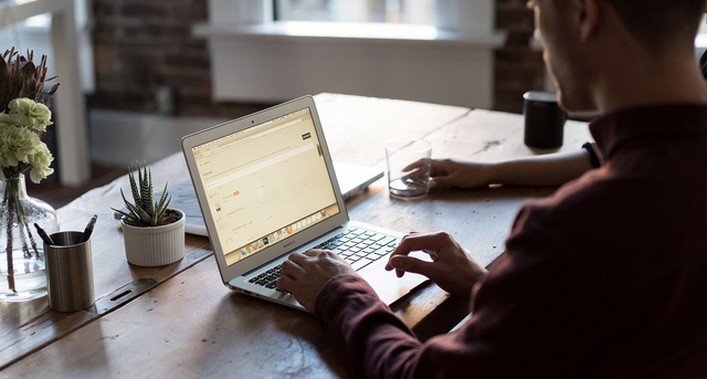 Five essential online tools to start your own business