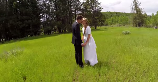 美しい結婚式をドローンで撮影→感動シーンが一転、衝撃展開に・・・【動画】