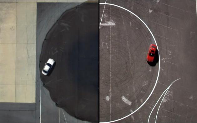 Selbstfahrendes Auto und menschlicher Fahrer driften um die Wette (Video)
