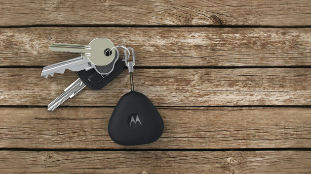 Motorola's smart fob will find both your keys and your phone