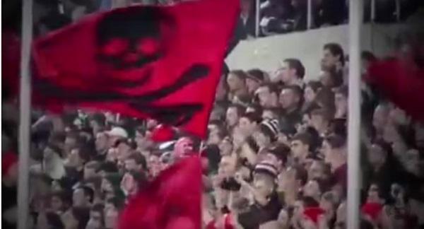 ドクロの旗、暴徒、乱闘!アーセナル退団の宮市が移籍するチームがパンクロックすぎる