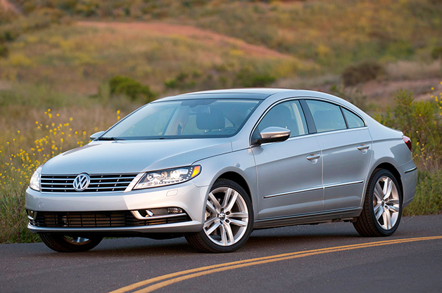 2013 Volkswagen CC, front three-quarter view.