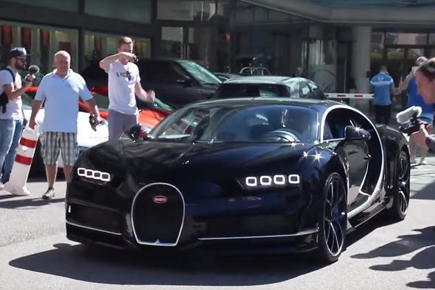 【ビデオ】ブガッティ「シロン」がモナコのディーラーに颯爽と到着