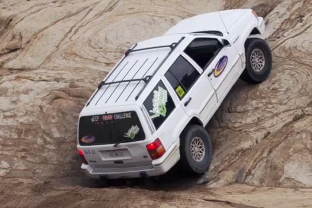 【ビデオ】最強の4駆は? 4000ドル以下のトラック3台が悪路で対決!
