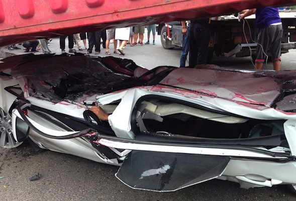 ​Passengers survive after car crushed flat as a pancake