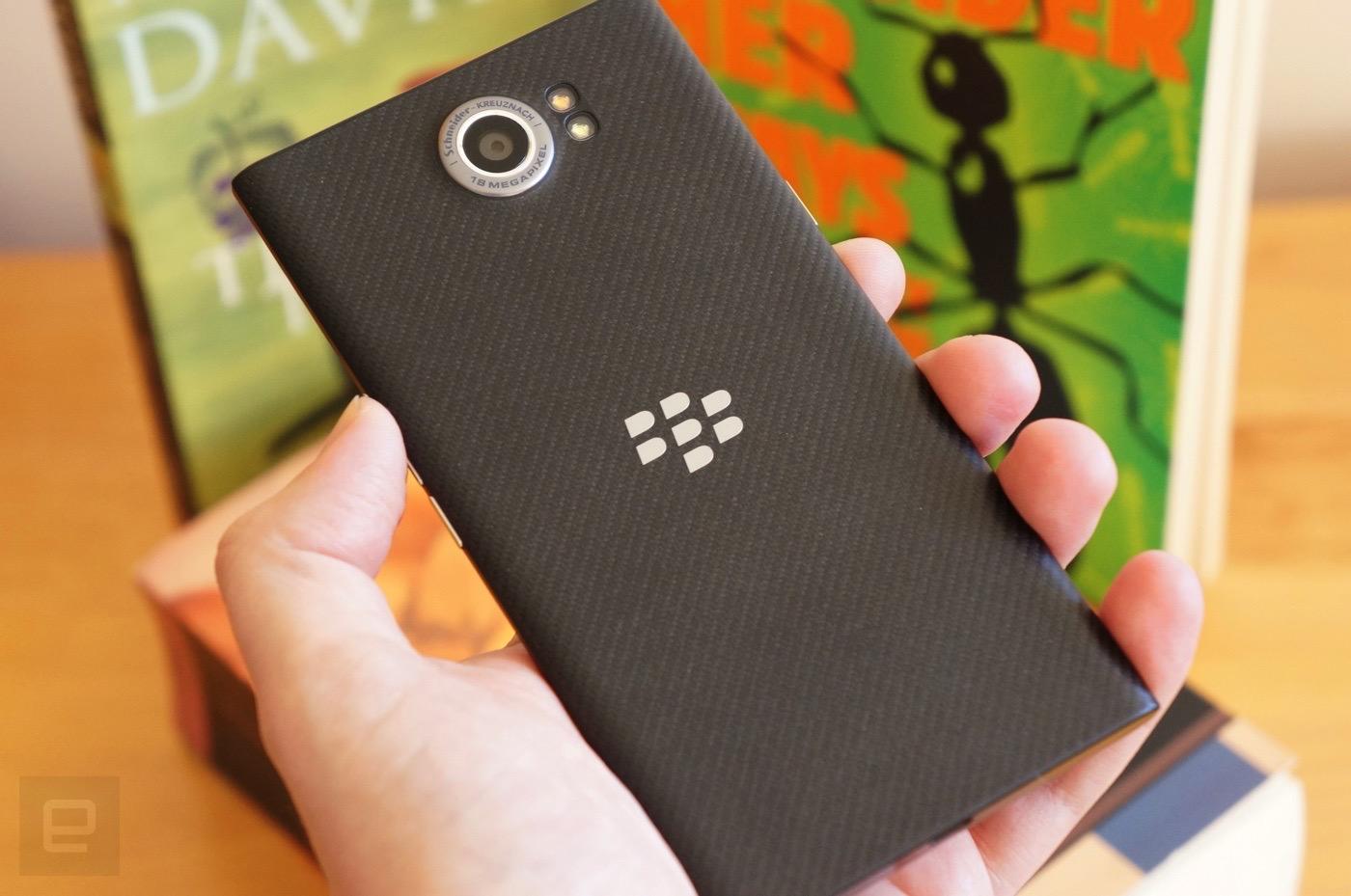 BlackBerry Priv's backside