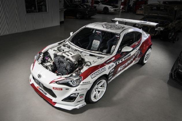 トヨタ「86」に、日産「GT-R」用エンジンを1,000馬力にチューンして搭載!
