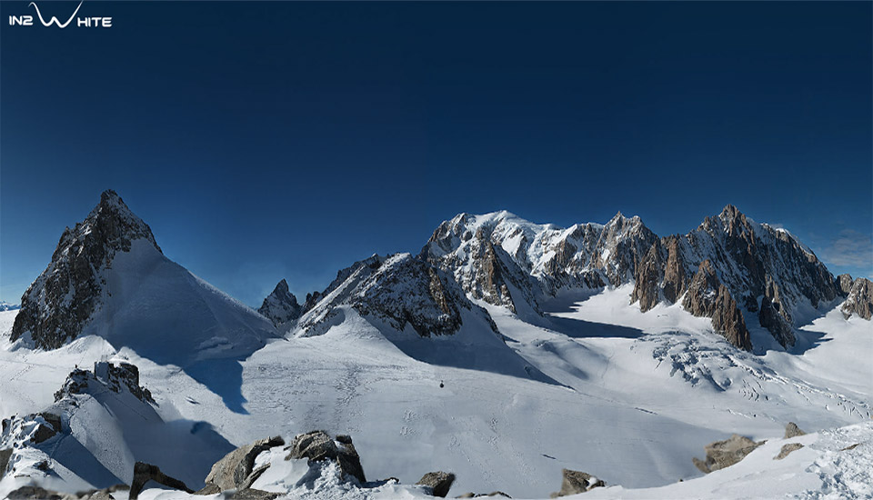 70,000 pictures make up this panorama of Europe's tallest mountain