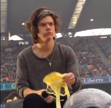 Harry Styles catches bra eating banana