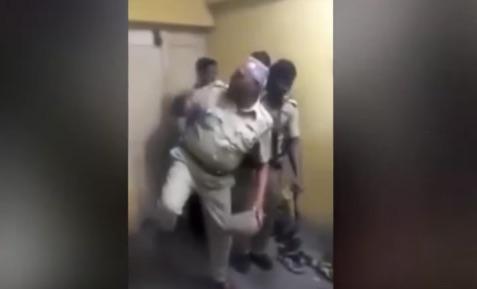 刑務所で踊りまくってた看守のおっさんが停職処分にwww 世界中から同情の声 【動画】
