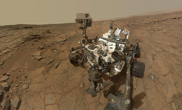 Curiosity detects organic molecules in Martian atmosphere and soil