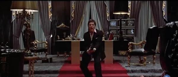 俺の坊やに挨拶しな!伝説のマフィア映画『スカーフェイス』リメイク版がようやく始動開始