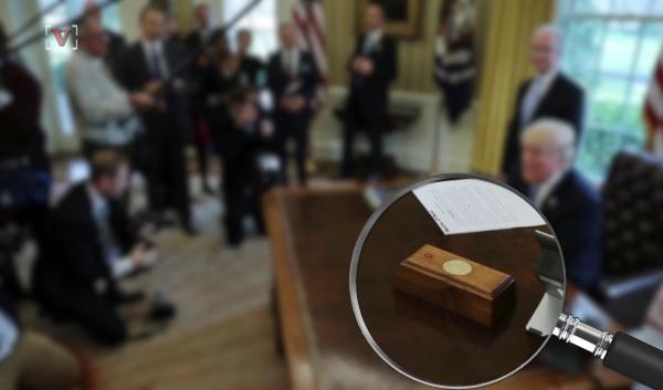 トランプ大統領が、机の上に置かれたボタンを押して執事によくお願いする物とは?