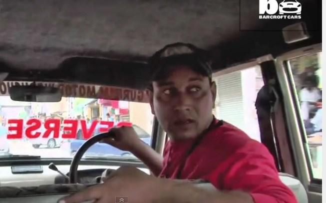 Verkehrte Welt: Inder fährt sei 11 Jahren nur rückwärts (Video)