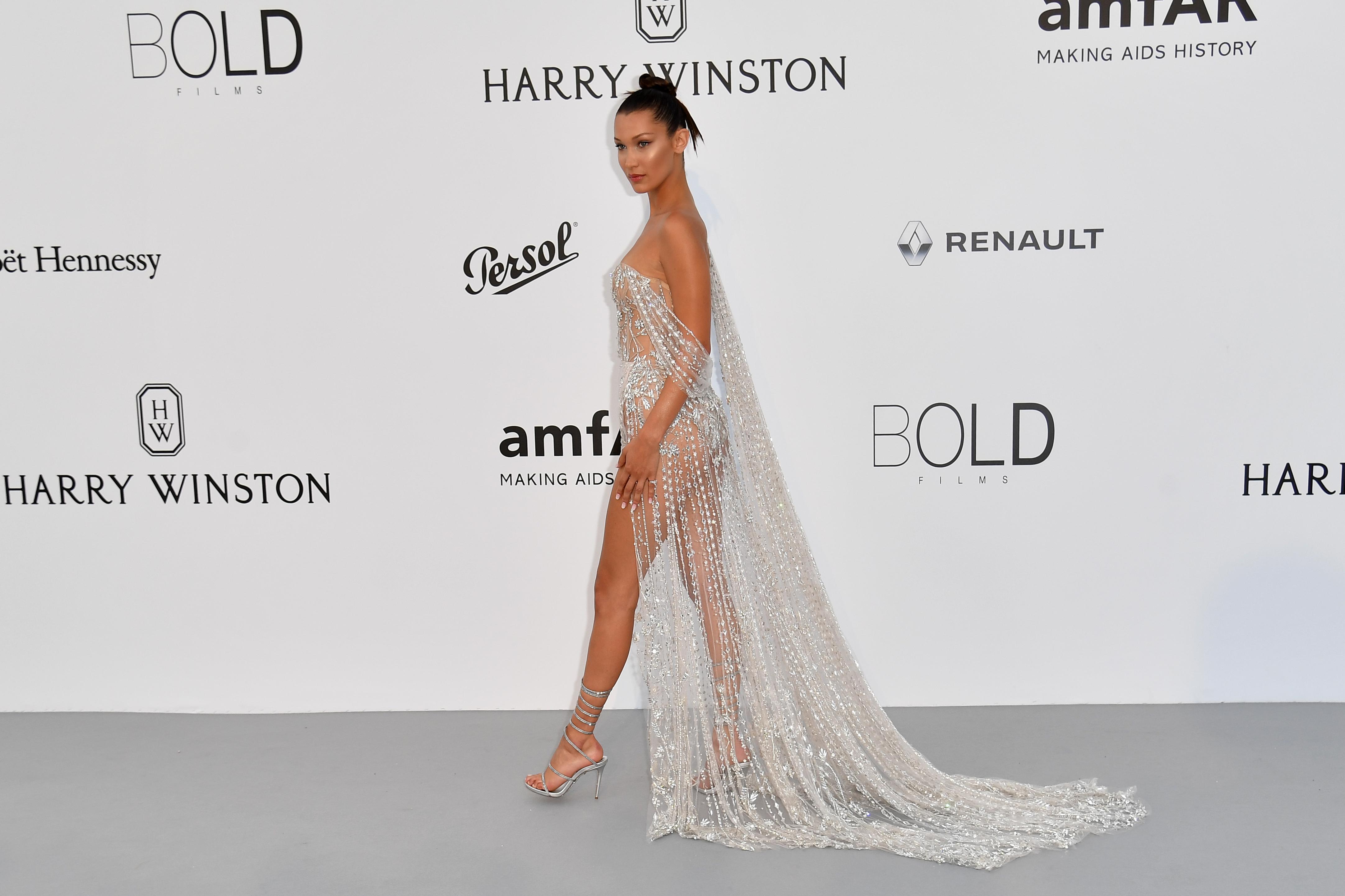 Cannes 2017 : Jessica Chastain, Bella Hadid... les stars brillent à l'amfAR