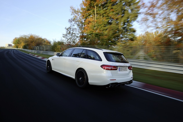 Mercedes-AMG E 63 S 4MATIC+ T-Modell auf der Nordschleife;Kraftstoffverbrauch kombiniert: 9,1 l/100 km; CO2-Emissionen kombiniert: 206 g/km*Mercedes-AMG E 63 S 4MATIC+ Estate on the Nordschleife Circuit;Fuel consumption, combined: 9.1 l/100 km, CO2 emissions, combined: 206 g/km*