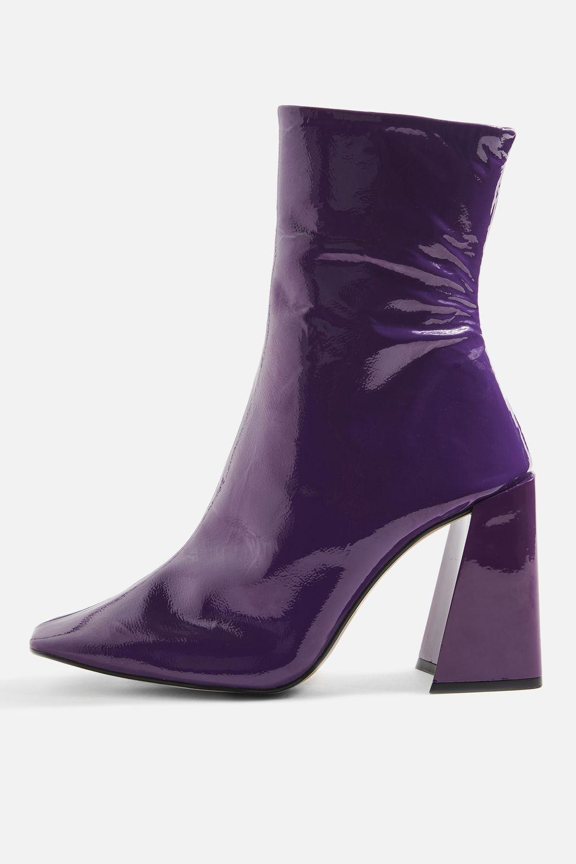 comment porter l 39 ultra violet la couleur de l 39 ann e selon pantone. Black Bedroom Furniture Sets. Home Design Ideas