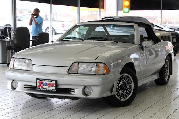 80年代を感じさせる希少なフォード「マスタング ASC マクラーレン」がeBayに出品中