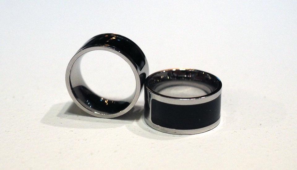 diskretes wearable smart ring bringt notifications auf den finger engadget deutschland. Black Bedroom Furniture Sets. Home Design Ideas