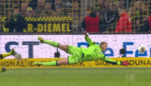 「必要以上に飛び出す最強キーパー」ドイツ代表・ノイアーのスゴすぎるプレーBEST5