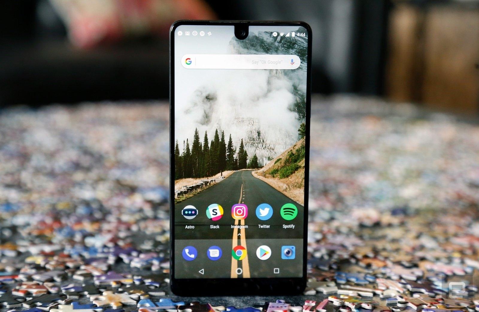 El Essential Phone se desespera y baja su precio hasta los 499 dólares