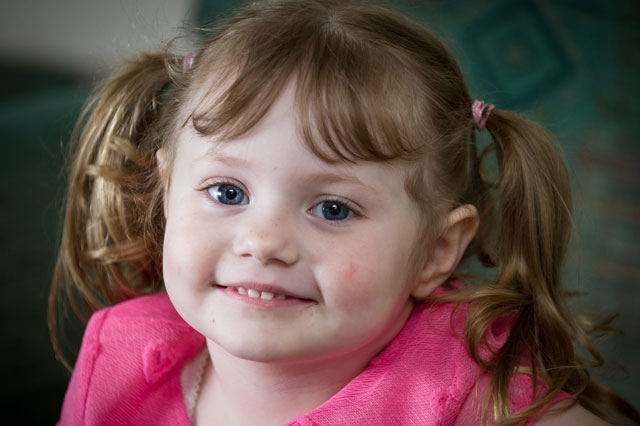 Girl, 4, eats carpets and furniture because of rare eating disorder
