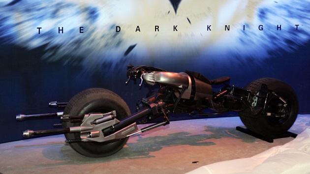 映画『バットマン』シリーズの撮影で使われた「バットポッド」がオークションに登場!