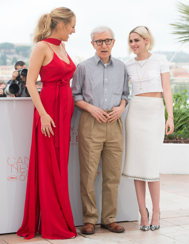 "CANNES, FRANCE - MAY 11:  Blake Lively , Woody Allen and Kristen Stewart  attend the ""Cafe Society"" photocall during the 69th annual Cannes Film Festival at Palais des Festivals on May 11, 2016 in Cannes, France.  (Photo by Samir Hussein/WireImage)"