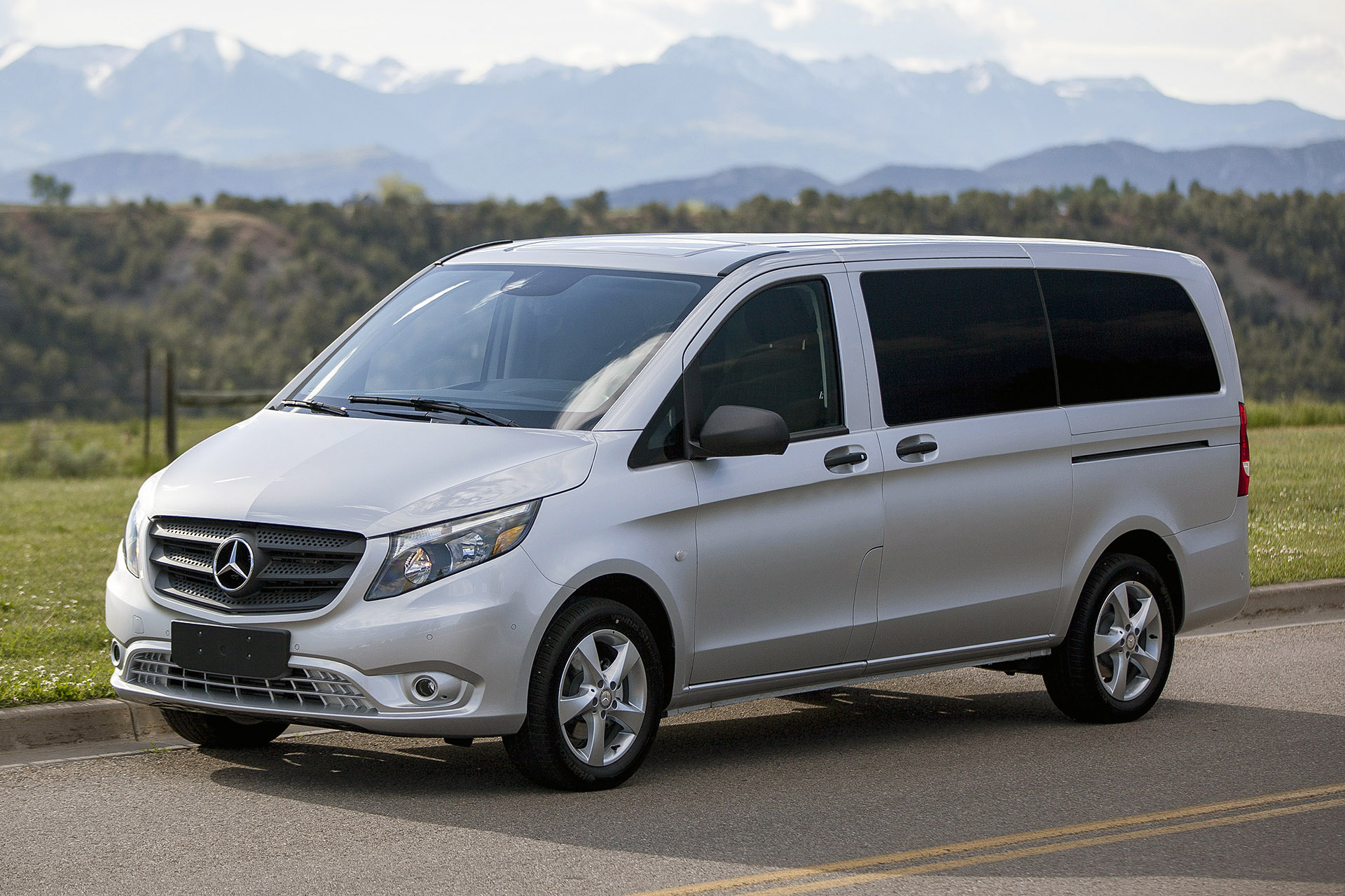 mercedes benz metris class prices reviews and new model. Black Bedroom Furniture Sets. Home Design Ideas