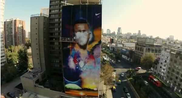 南米チリのストリートにサッカー選手のスプレーアート!ナイキCMがカッコよすぎる【動画】