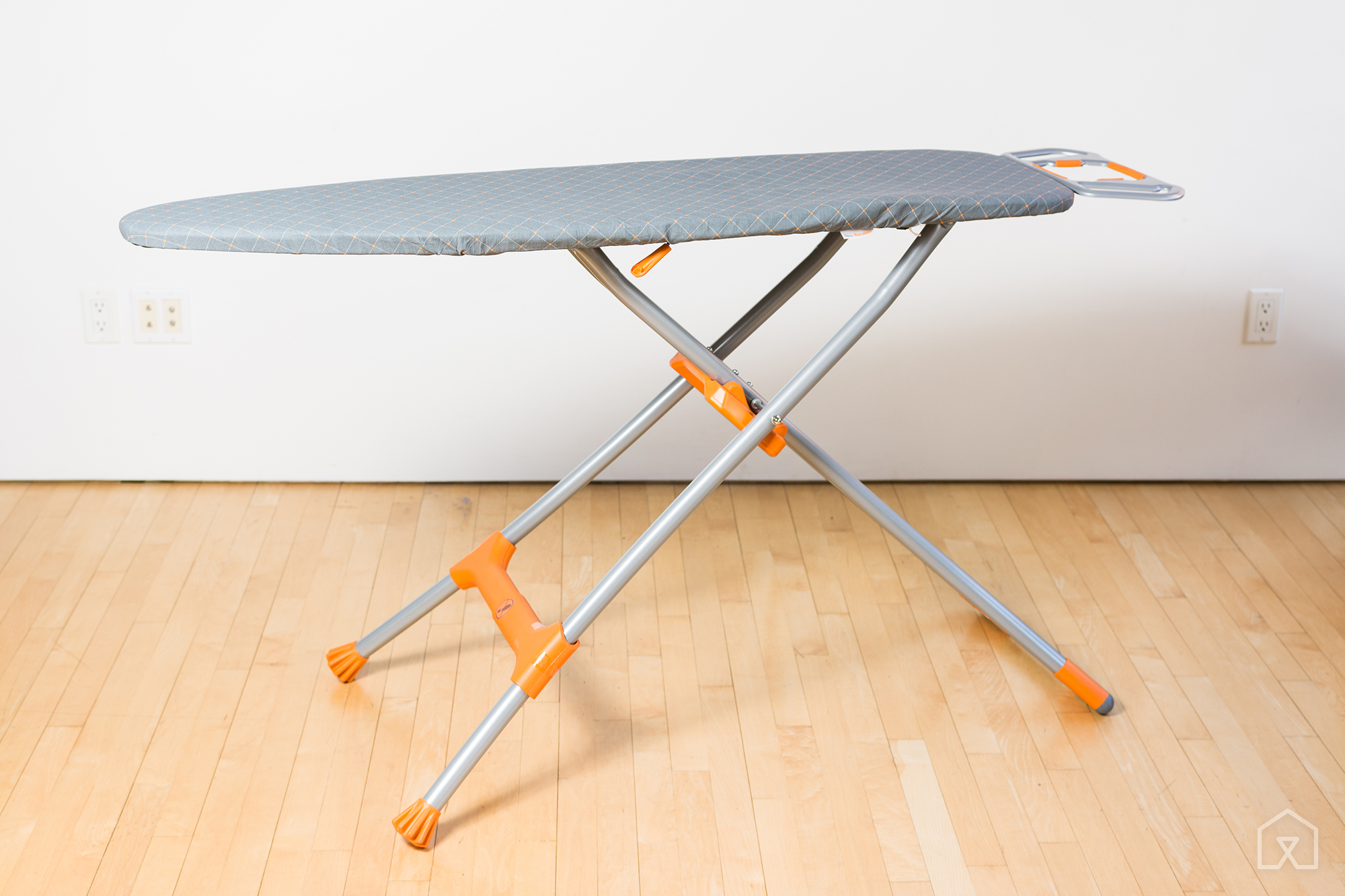 The best clothing iron and ironing board