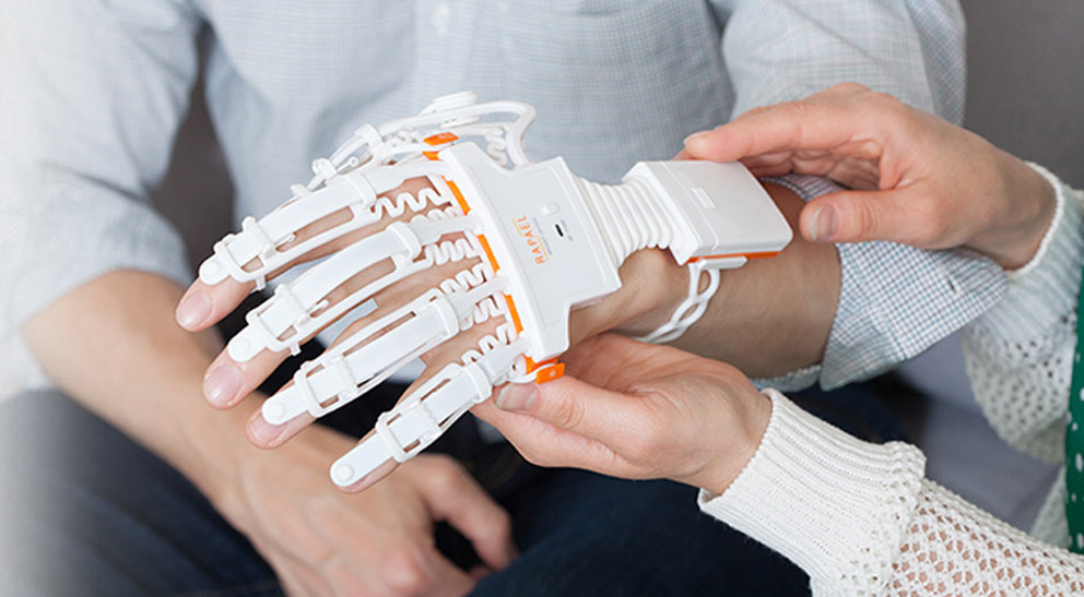 Exoskelett-Handschuh Rapael: Therapie-Gaming