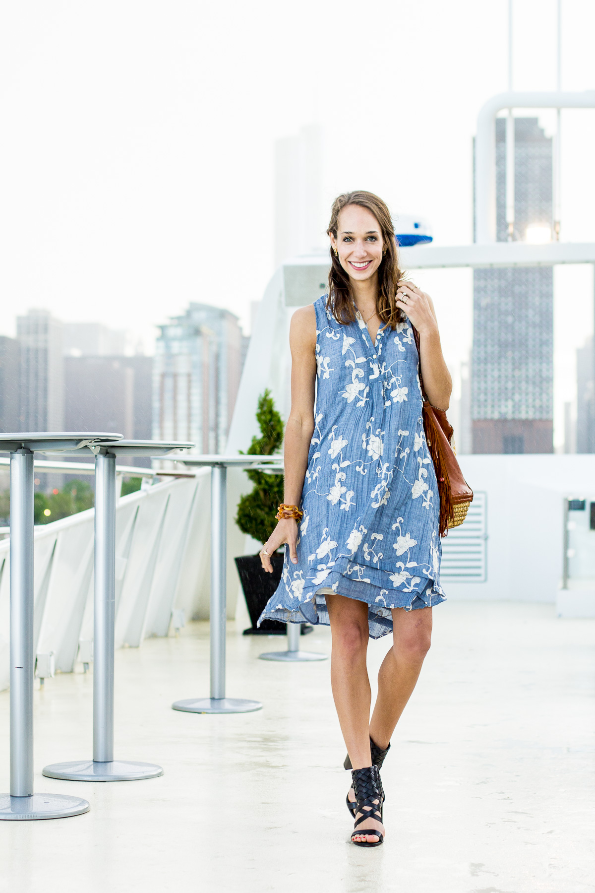 Street style tip of the day: Embroidered shirtdress