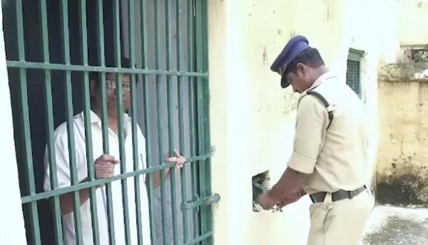 インドにはお金を払えば囚人気分を味わえる刑務所ツアーがあるらしい