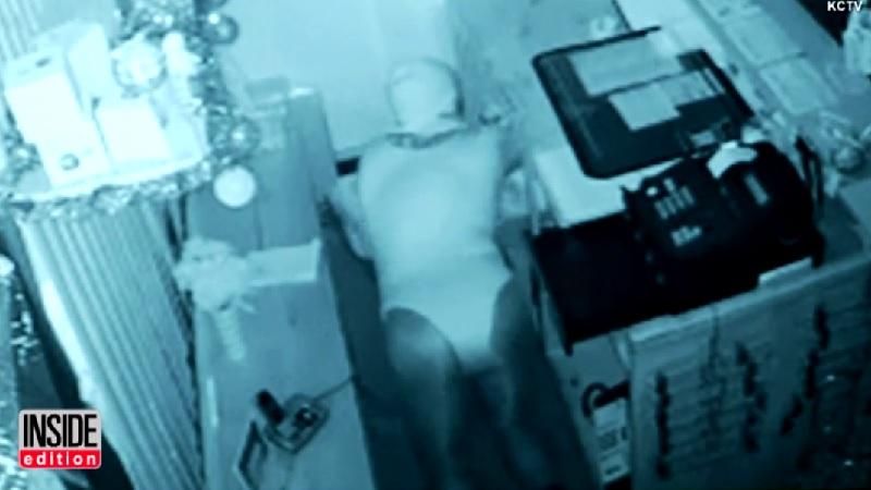 防犯カメラに映ったレオタード姿の泥棒が話題に【動画】