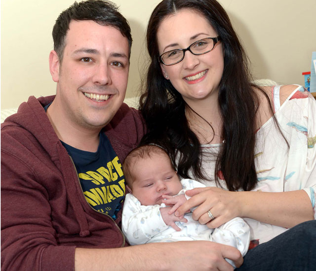 Grimsby mum gives birth to 12lb 6oz boy - with only gas and air!
