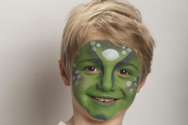 Face painting ideas: Alien