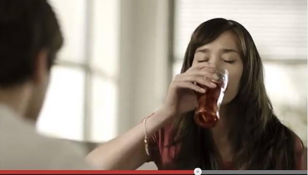 意外にカンタン?ネット上で話題の「コーラが最高に美味しく感じる飲み方」
