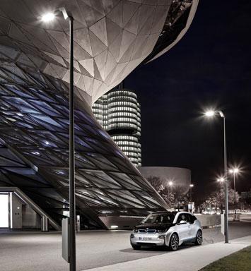BMW i3 streetlight charging