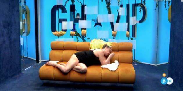 Aramís Fuster, desmayada e indispuesta en 'GH VIP', se cura con jamón