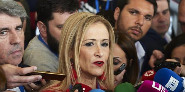 La nueva estrategia de Cifuentes: implicar al PSOE y la trama delictiva de un profesor a modo de psicópata