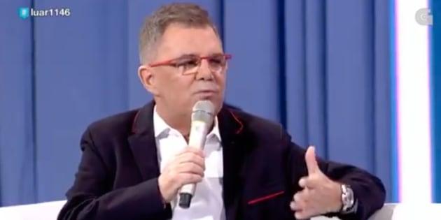 Xosé Manuel Piñeiro, uno de los rostros más conocidos de la televisión gallega, se retira temporalmente por un cáncer