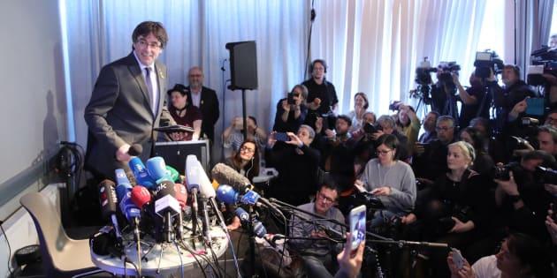 Fiscales alemanes y españoles se reúnen en La Haya para hablar de Puigdemont