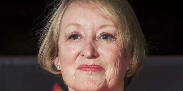Yvonne Blake, presidenta de la Academia de Cine, sale de la UCI