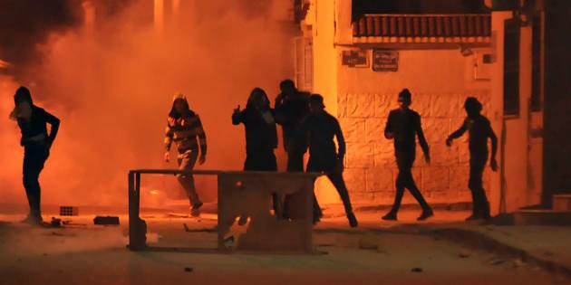 Más de 200 detenidos en Túnez y decenas de heridos tras otra noche de disturbios